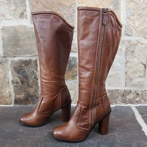 Frye 8 Sylvia Piping Tall Heeled Leather Boots